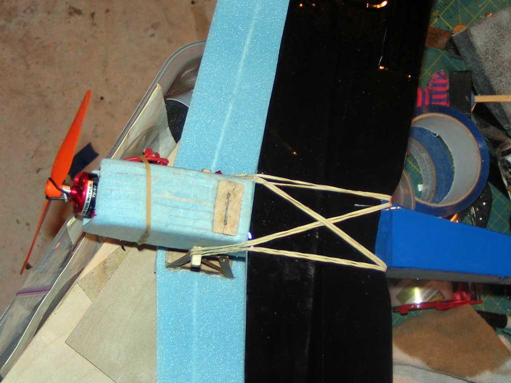 Landing gear mount