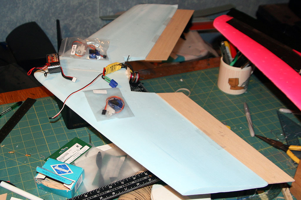 P115 Flying Wing Build Basement R C