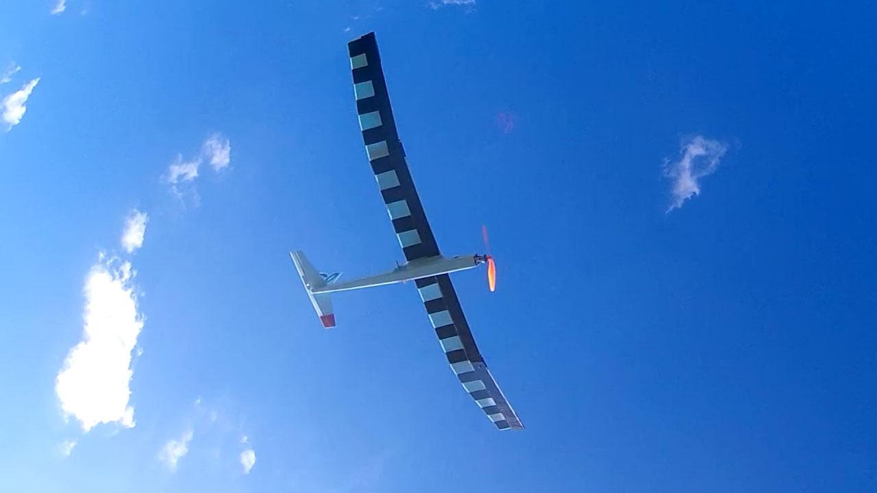 No Drama – 60″ fanfold glider | Basement R/C